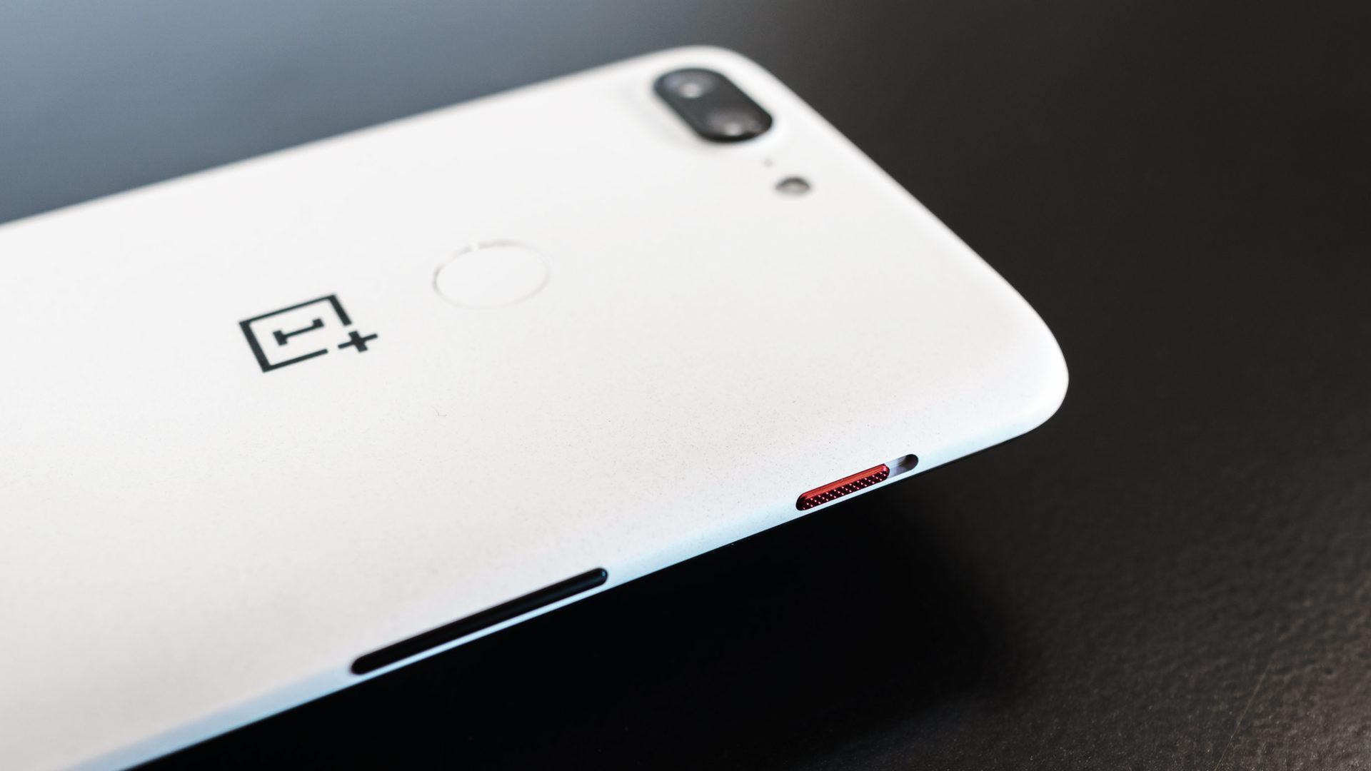 「OnePlus 5/5T」向けに「OxygenOS」アップデートの提供が遅れている理由を公式が明らかに