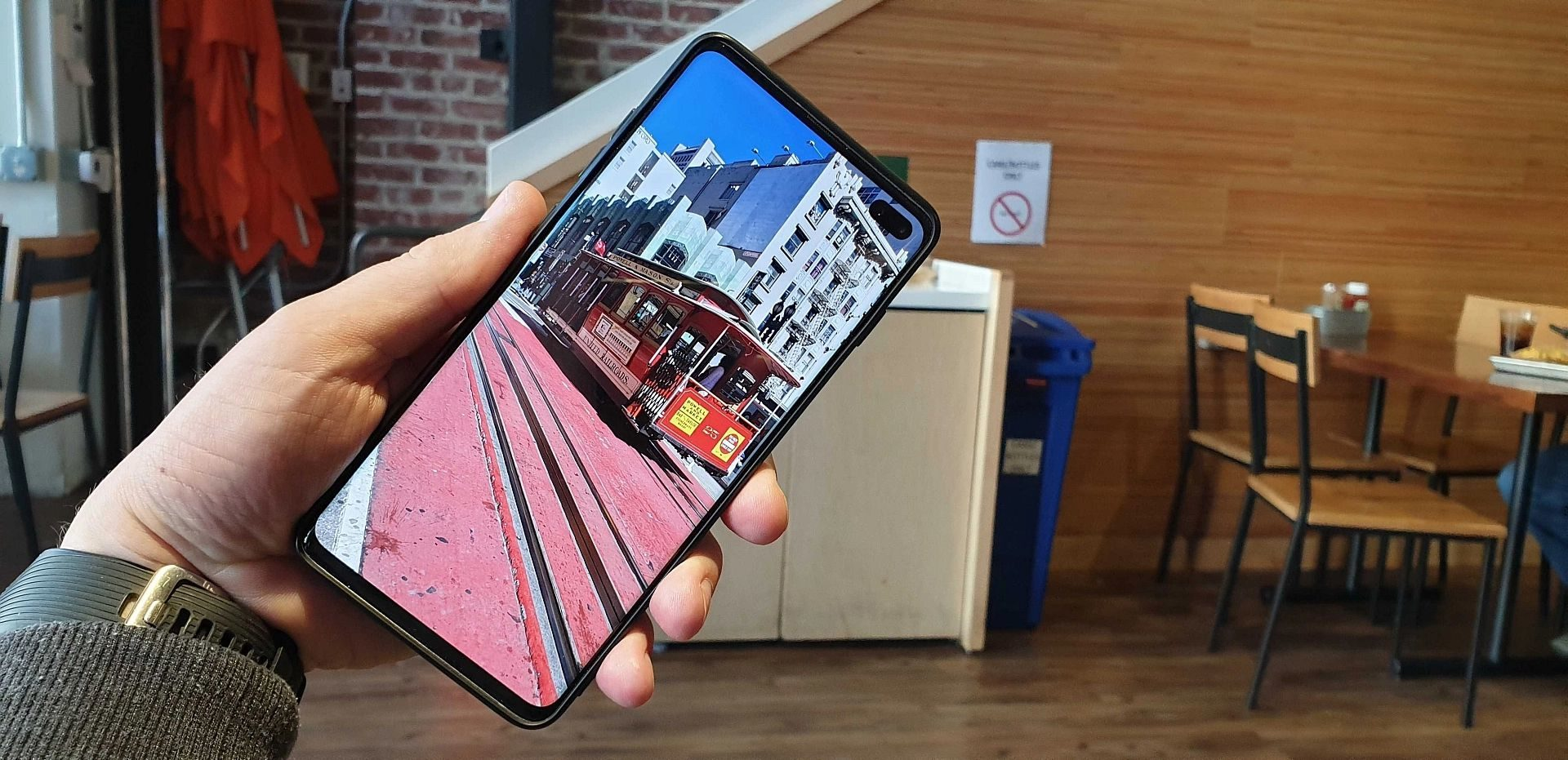 【S10/S9/S8/Note8/Note9対応】「Galaxy」スマホのディスプレイ解像度を変更する方法